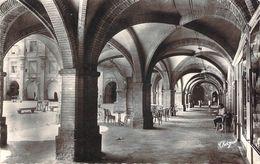 Cpsm Format Cpa  Montauban Arcades De La Place Nationale (animée) N667 - Montauban
