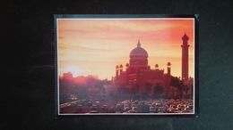 (Free Shipping*)  USED/ UNUSED POSTCARD See Back - Brunei