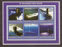 MOZAMBIQUE 2002 Submarines - Submarines
