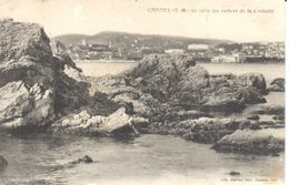 (06) Alpes Maritime - CPA - Cannes - Vu Entre Les Rochers De La Croisette - Cannes