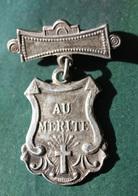 """Très Belle Médaille De Récompense Scolaire D'école Chretienne """"Au Mérite"""" Reward School Medal - Insignes & Rubans"""