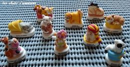 FEVES SERIE COMPLETE LES CHATS S AMUSENT - Charms