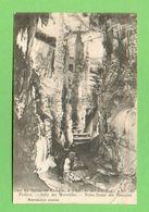 CPA FRANCE 46  ~  ST-MÉDARD-de-PRESQUE  ~   12  La Grotte - Salle Des Merveilles, ND Des Victoires  (2 Scans ) - Francia