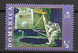 DOMINIQUE   -   Neuf ** .  Espace  /  Cosmos  /  Homme Sur La Lune. - Dominica (1978-...)