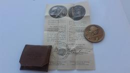 Médaille  De VERDUN Et Facicule - France