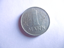 (E113)-ALLEMAGNE-PIECE DE 1 DEUTSCHE MARK-1977A - [ 6] 1949-1990 : RDA - Rép. Démo. Allemande