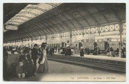 LOURDES - La Gare - Train - Très Animée - Lourdes