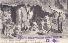 "Griffe "" Occupation Militaire Du Maroc Oriental & Oudjda"" Circ 1914, CP Scènes & Types, Gourb De Nomades - Marokko (1891-1956)"