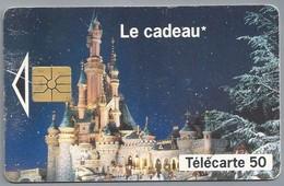 FR.- Télécarte France . Le Cadeau. Euro Disney. B3C068044 - Frankrijk