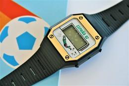 Watches : ADVERTISEMENT FOOTBALL DIGITAL 1982 World Cup - Original - In Original Box - Running - Excelent New Condition - Watches: Modern