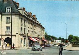 V11689 Cpsm 95 Pontoise - La Place Du Pont - Pontoise