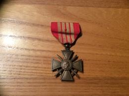 Médaille Militaire Bronze «CROIX DU GUERRE - 1939 - RÉPUBLIQUE FRANÇAISE» - Francia