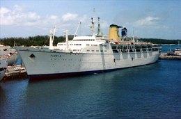 6X4 PHOTO OF  FLAVIA COSTA COLOURS AT NASSAU - Boats