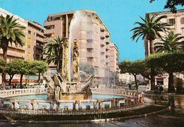 Italie Brindisi Piazza Cairoli  La Fontana N°26  état Moyen - Brindisi