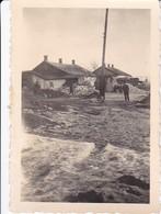 Foto Dorf In Osteuropa Im Schlamm - 2. WK - Ca. 1940 - 8*5cm (33042) - Orte