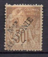 NOUVELLE-CALEDONIE ( POSTE ) : Y&T  N°  30  TIMBRE  NEUF  SANS  GOMME , DANS  L ETAT  , A  VOIR . - New Caledonia