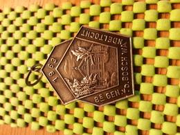Medaille  / Medal - 8e Gen. V/d Bosch -Willemsoord 1963 - .   / Walking  / Marche Pour L'Association   - The Netherlands - Netherland