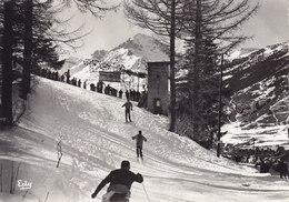 LANSLEBOURG CPSM IMAGES DE CHEZ NOUS Savoie LES JOIES DANS LA NEIGE ( Skieurs Remonte Pente ) Circulée - France