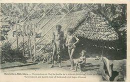 VANUAROU -Nouvelles -Hébrides - Veroomdoom Et Chef De Famille De La Tribue De Beldrahaf - CPA Très  Bel Etat (voir Scan) - Nouvelle Calédonie