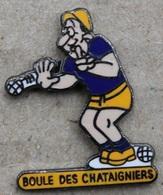 PETANQUE CLUB - BOULE DES CHATAIGNERS - JOUEUR - BOULES    - (ROUGE) - Bowls - Pétanque