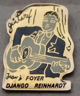 DJANGO REINHARDT - GUITARE MANOUCHE - GUITARISTE - FOYER   -      (18) - Celebrities