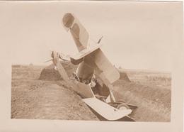 Photographie Originale 13 X 18 Non Située Accident D' Avion Militaire Ou De Guerre Aviation Fly - Aviación