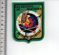 REF 10 : Écusson Patch Thème TIR A L'ARC Archerie Archer Arc Club NANTERRE - Tir à L'Arc