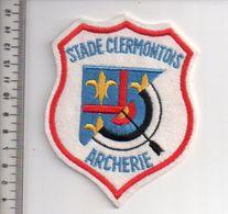 REF 10 : Écusson Patch Thème TIR A L'ARC Archerie Archer Arc Club Stade Clermontois - Tir à L'Arc