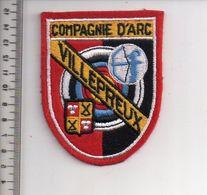 REF 10 : Écusson Patch Thème TIR A L'ARC Archerie Archer Arc Club VILLEPREUX - Tiro Con L'Arco