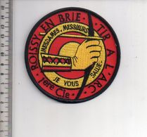 REF 10 : Écusson Patch Thème TIR A L'ARC Archerie Archer Arc Club Roissy En Brie - Tir à L'Arc