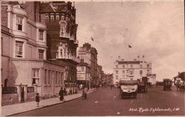 CPA  RYDE ESPLANADE I.W , Pub Derrière L'Auto GARAGE YOUNGS - Angleterre