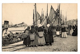 (62) BOULOGNE SUR MER: Sur Les Quais, Femmes De Pêcheurs - Boulogne Sur Mer