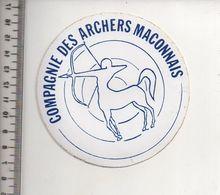 REF 10 : Autocollant Sticker Thème TIR A L'ARC Archerie Archer Compagnie Club Macon Maconnais - Archery