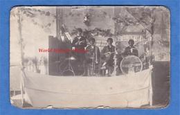CPA Photo - à Situer - Portrait D'un Groupe De Musique Noir ? Ou Grimé / Maquillé ? Jazz Band Afro Trombonne Instrument - Logiciels
