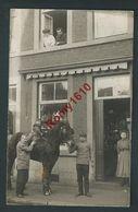 Liège. Photo-carte. Café Des Bayards, Rue Des Bayards.  Photo Ancienne, Superbe, Animée Et  Inédite. - Liege