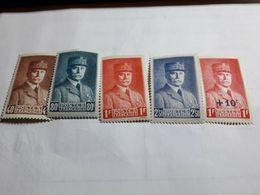 """Série Timbres France  YT 470 à 473 + 494 """" Effigies Du Maréchal Pétain """" 1941-42 Neufs - Unused Stamps"""
