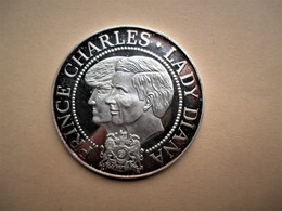 Munt/Medaille Prince Charles & Diana Wedding 1981 999/1000 Ag, +-35 Gr. - Royaux/De Noblesse