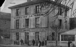 54 LIVERDUN / HOTEL DE LA GARE ( COIN GAUCHE ABIME) / A 94 - Liverdun