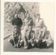 M32 - Groupe De Militaire à Identifier Jouent à La Pétanque - 2 Photos Originales - Oorlog, Militair
