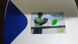 Angola-netkuya-(43)-(4gb Dados-750utt)-mint+1card Prepiad Free - Angola