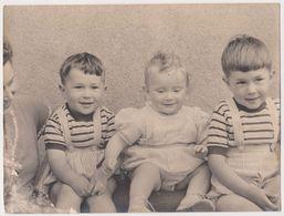 Photo Trois Enfants  Enfant Bebe Années 50 Sans Doute - Personnes Anonymes