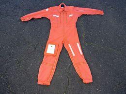ANCIENNE COMBINAISON PILOTE AERONAVALE MARINE 1983 - Uniforms