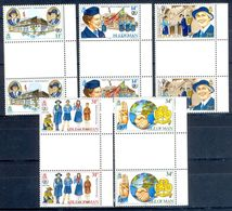 A114- Isle Of Man 1985 Mint Never Hinged Girl  Scouts With Gutter Pare. Scouting. - Scouting