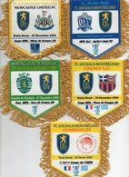 Lot De 5 Fanions Du FC SOCHAUX En Coupe UEFA 2004/2005 - Habillement, Souvenirs & Autres