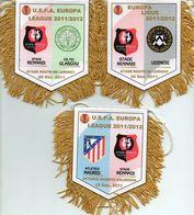 Lot De 3 Fanions De RENNES En Europa League 2011/2012 - Habillement, Souvenirs & Autres