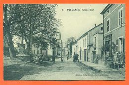 """CPA 88 Val D'ajol """" Grande Rue """" Café - LJCP 59 - Frankrijk"""