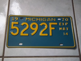 ANCIENNE PLAQUE IMMATRICULATION AMERICAINE USA MICHIGAN 1970 USA LICENSE PLATE !!! - Number Plates