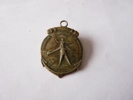 Medaille Fédération   Nationale   De Sauvetage  Dans Son Jus - Army & War