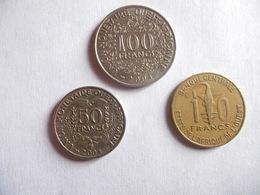 (E212)-AFRIQUE DE L'OUEST-ANNEE 2004-LOT DE 3 PIECES- 10, 50 ET 100 FRANCS - Coins & Banknotes