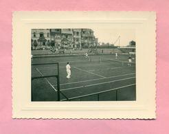 PHOTOGRAPHIE - PHOTO - WESTENDE  Prés  OSTENDE / OOSTENDE EN 1956 - SPORT .. TENNIS  .. - Lieux